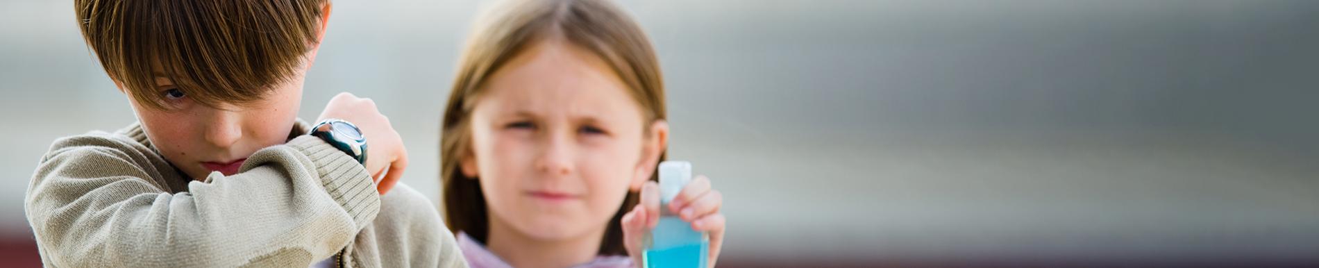 https://www.healthychildren.org/SiteCollectionImage-Homepage-Banners/CoronavirusBannerTwo.jpg?csf=1&e=H1RqUn