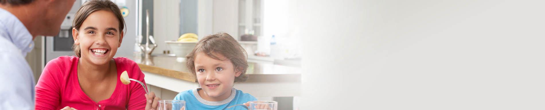 https://www.healthychildren.org/SiteCollectionImage-Homepage-Banners/Family_dinnerTime_Banner.jpg