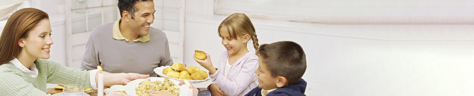 https://www.healthychildren.org/SiteCollectionImage-Homepage-Banners/Thanksgiving2020Banner_es.jpg?csf=1&e=tB3Qb0