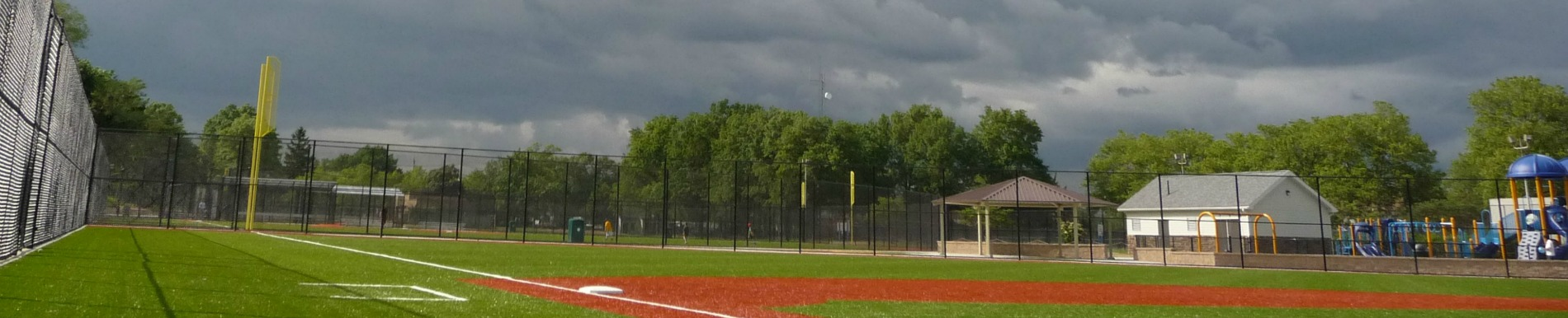 https://www.healthychildren.org/SiteCollectionImage-Homepage-Banners/lightning_sports_safety_banner.jpg