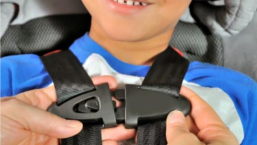 forward facing car seat clipping harness