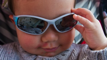 472567fd12998 10 Reasons Kids Should Wear Sunglasses in Winter - HealthyChildren.org