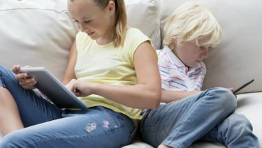 Kids Turn To Screens To Cope With >> Kids Tech Tips For Parents In The Digital Age Healthychildren Org